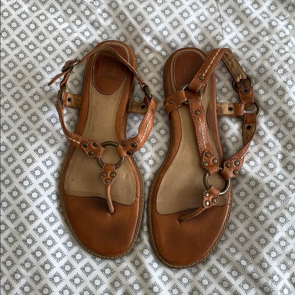 eeac7576912f3 Frye Shoes - Frye Harness Sandal EUC